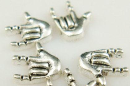 10 Stück HAND 7 x 6 mm, silber