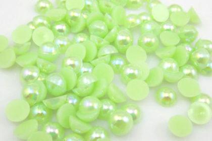 100 Stück Halb-Perlen 6 mm, lightgrün
