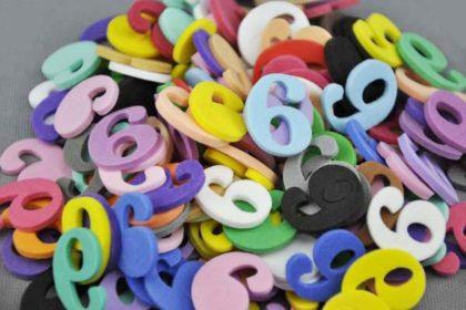 10 x Moosgummi-Zahlen Nr. 6 in vers. Farben, 21 mm