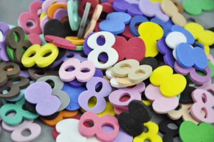 10 x Moosgummi-Zahlen Nr. 8 in vers. Farben, 21 mm