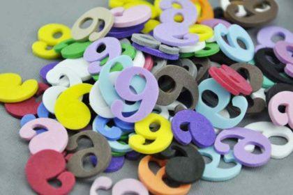 10 x Moosgummi-Zahlen Nr. 9 in vers. Farben, 21 mm