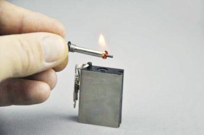 Survival Feueranzünder als Schlüsselanhänger