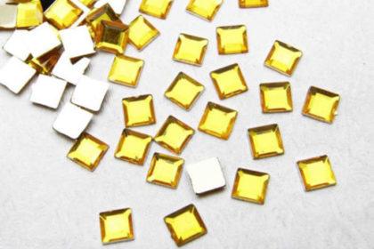 20 x Acryl-Rhinestones 4 x 4 mm, gelb