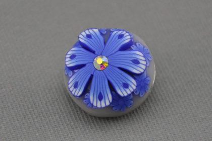Charm Button für Armbänder und Ketten, von Hand bemalt, Blume blau