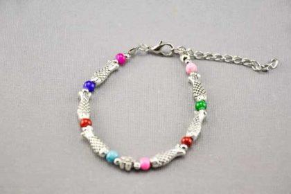Armband 16 - 20cm mit vielen Fisch-Beads und bunten Perlen