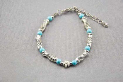 Armband 16 - 20cm mit vielen Fisch-Beads und hellblauen Perlen