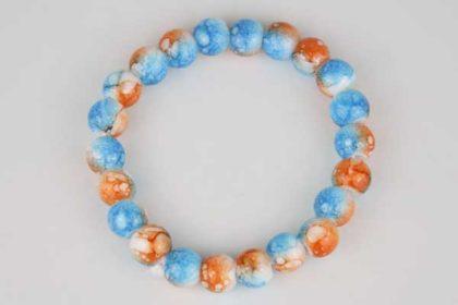 Armband mit 21 Glas-Beads farbig 8 mm