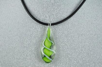 Halskette 450 mm mit Glas-Anhänger, grün