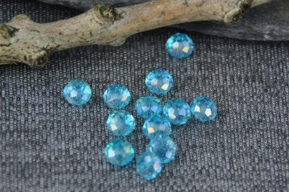 10 Stück Kristall Glasperlen Rondelle 6 x 4 mm, hellblau