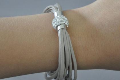 Shamballa Armband mit klaren Kristallen, hellgrau