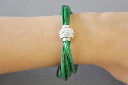 Shamballa Armband mit klaren Kristallen, grün
