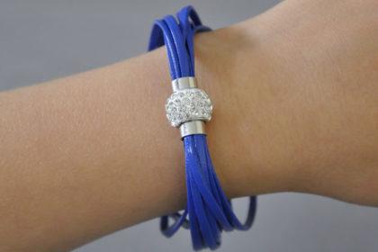 Shamballa Armband mit klaren Kristallen, blau
