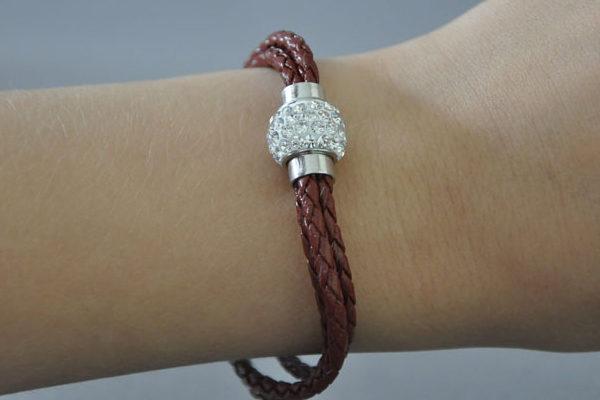 Shamballa Armband mit klaren Kristallen, braun