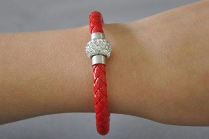 Shamballa Armband mit klaren Kristallen, rot