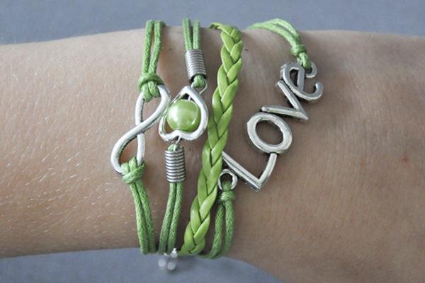 PU-Leder Armband mit Strängen und Anhängern, grün