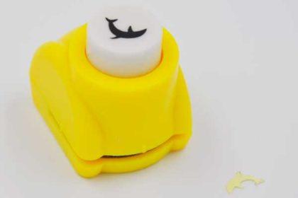 Papier-Cutter-Stempel gelb, Delfin