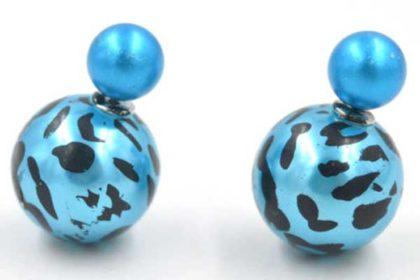 1 Paar Ohrstecker mit 2 unterschiedlich grossen Kugeln in blau-schwarz