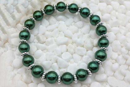 Armband elastisch mit vielen Glasperlen 8mm, dunkelgrün