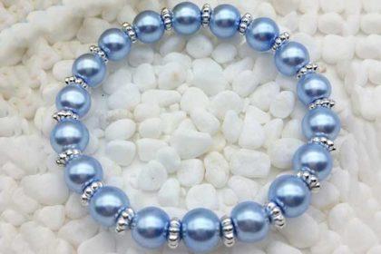 Armband elastisch mit vielen Glasperlen 8mm, hellblau