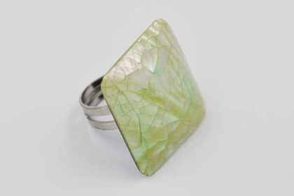 Ring mit grossem grünen Perlmutstein, 28x28mm