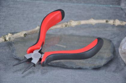 Rundzange spitz, 13cm, zur Schmuck-Herstellung